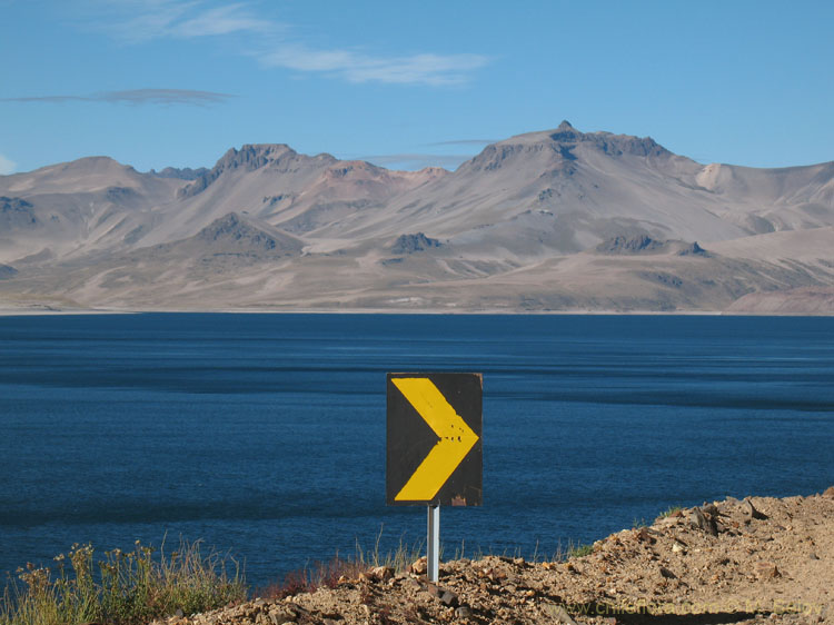 An image of Road Sign on the Maule Lake.